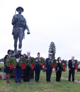 Particpants who dedicated the wreaths