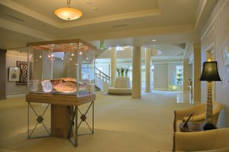 University-House-Issaquah-senior-living-entrance-main-lobby-Era-Living[1]