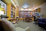 University-House-Issaquah-senior-living-resident-library-Era-Living[1]