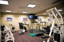 University-House-Issaquah-senior-living-workout-exercise-facility-Era-Living[1]