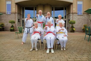 ICH-Broadview-senior-living-residents-karate-class1