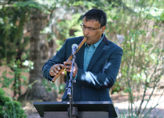 Peter Ali, Native American flutist. Photo by VRC.