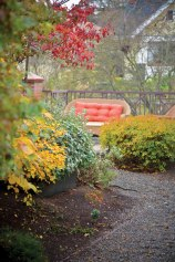 UHW-senior-living-outdoor-walking-path