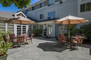 fairwinds-brighton-court-patio-02