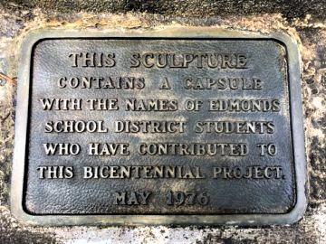 Plaque on monument (3)